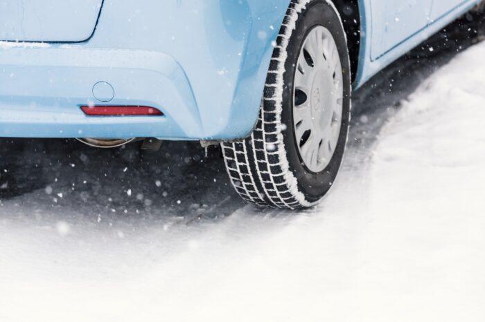 北海道は4WD/AWD/スタッドレスタイヤはブリ
