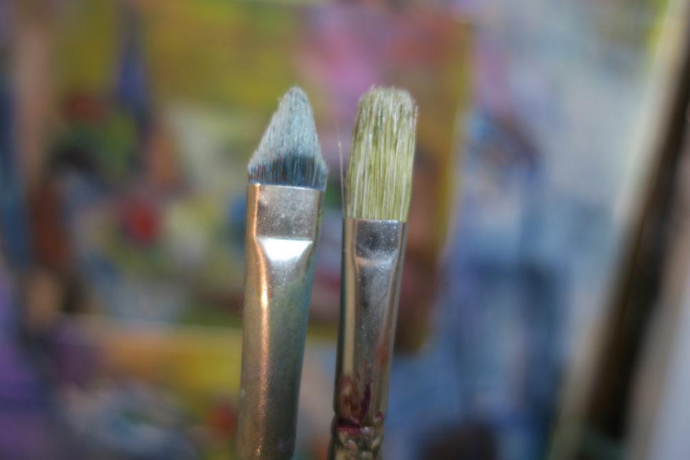 油絵の絵具と筆とを考える