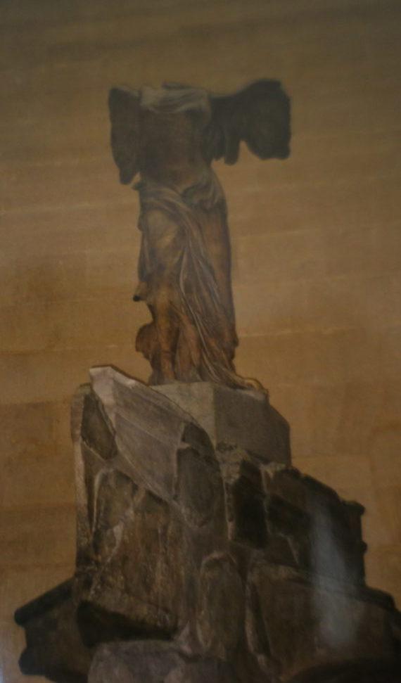 ルーブル美術館、ミロのヴィ―ナスの手の問題 駅員のいる群像16