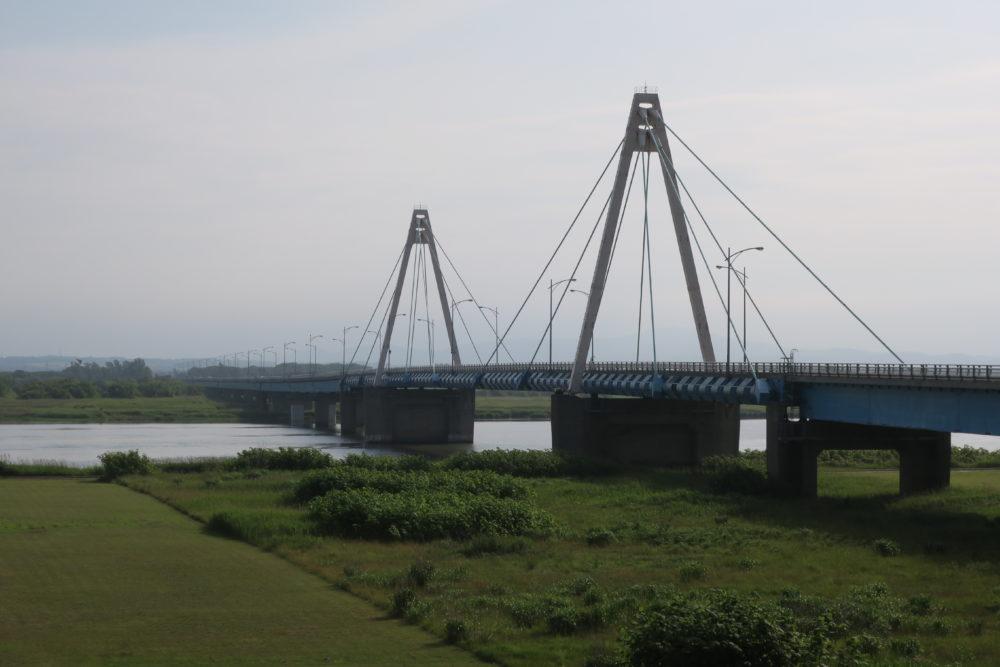 途中に茨戸川があります